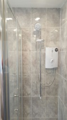 Electric shower chrome